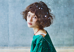 冬の乾燥毛・静電気は「ヘアオイル」で解決〜髪の根元はふんわり、毛先はスルッ!の画像1