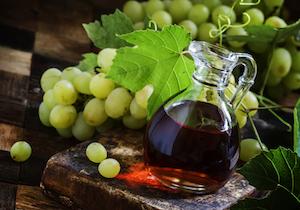 ワインビネガーを選ぶなら原材料の表示に注意!「白ワイン」が使われていない「白ワインビネガー」もの画像1