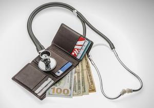外国人旅行者の「医療費踏み倒し」で病院が悲鳴! 訪日者の約3割が旅行保険に未加入の画像1