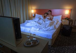 妊娠を望むなら静かな場所で? 夜の騒音で男性の「不妊確率」が14%も上昇!の画像1