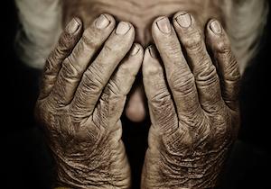 「孤独死」は若い人ほど発見が遅れる!死亡時の平均年齢は「男性63歳」「女性72歳」と10歳以上の差がの画像1