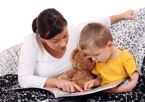 本の読み聞かせで親子関係も良好に! 母親は「理性」子どもは「心」の脳が活発にの画像1