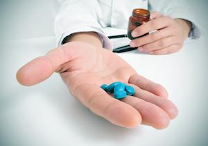 バイアグラ・レビトラ・シアリス……ネットで偽ED治療薬を買うリスクを考えようの画像1