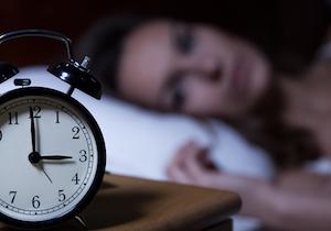 狂いがちな「体内時計」を調節!? 注目の「ノビレチン」が睡眠障害や夜間頻尿に効くの画像1
