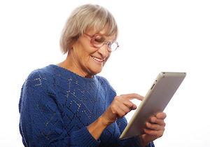 タブレット使用者の7割以上が首や肩に凝り! リスク因子は「女性」と「姿勢」!?の画像1