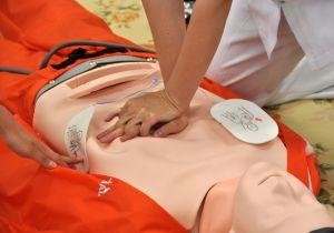 AEDと心臓マッサージを躊躇せずにできますか? 突然の心停止を救うのはあなた!の画像1
