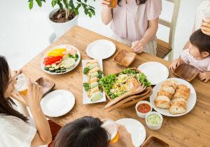 人と一緒に食事ができない! 「会食恐怖症」に悩む人たちに伝える、その克服法とはの画像1