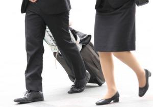 汗ばむ足にカビが生える?  女性と営業職は水虫にご用心の画像1