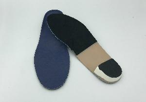 外反母趾や足裏のつらい痛みに「ゆったり靴」はNG!自分の足の個性に合う靴選びをの画像1