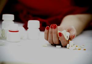 100錠以上の向精神薬、催眠薬を服用後に寒冷下で昏睡状態、まさに生死をさまよった40代の男性の画像1